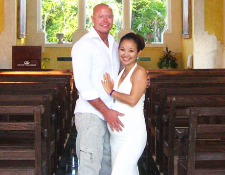 Tina and Jeremy Sawatzky in Mexico Renewing Wedding Vows