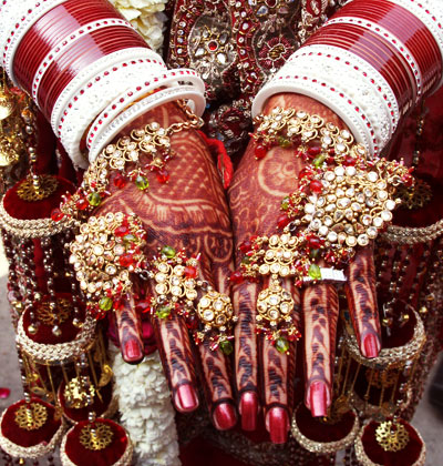 bride hand - Dulhan khubsoorat hai